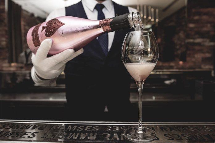 Rapper Jay-Z und sein Champagner