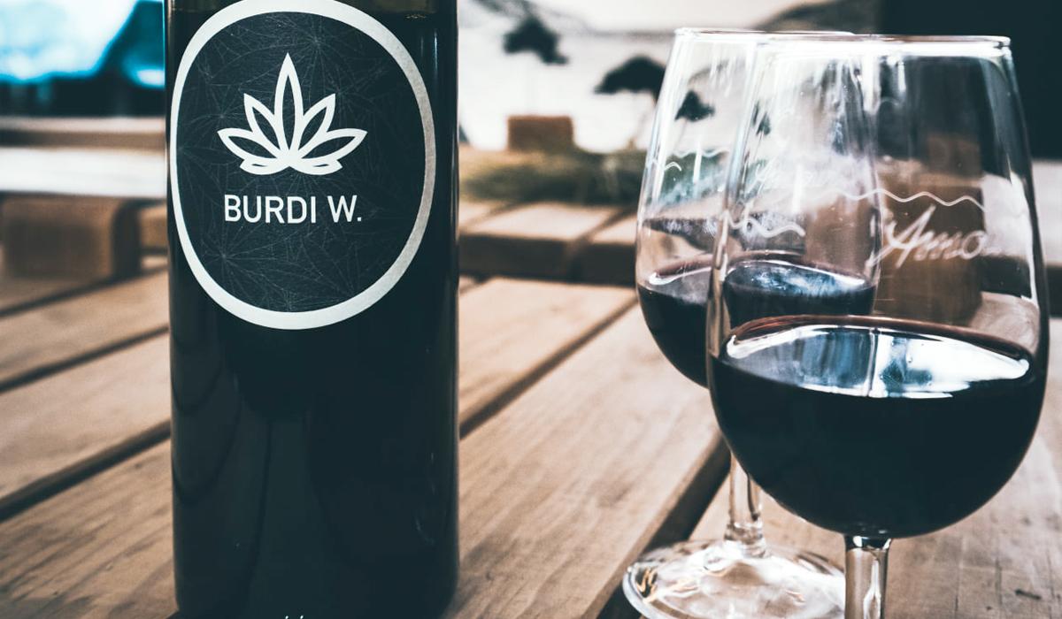 Burdi W Wein mit Cannabisextrakt